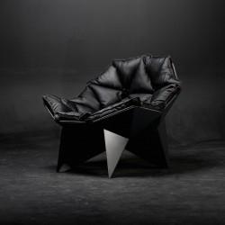 Q1 chair black